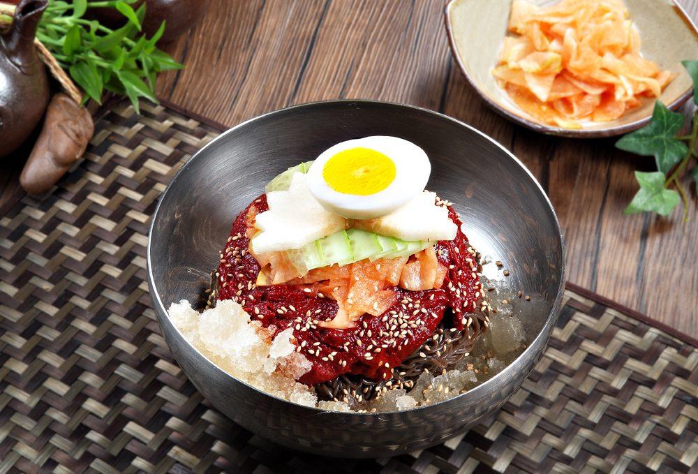 비빔냉면 Bibim-naengmyeon
